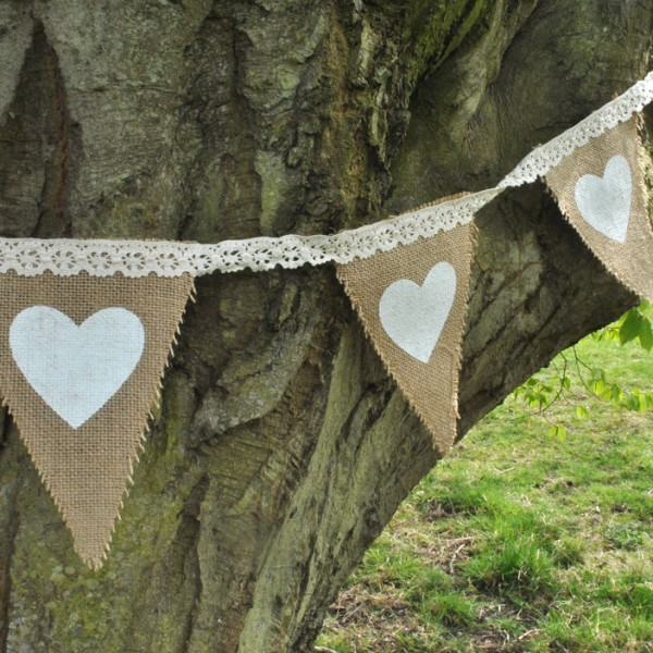 Hessian bunting with hearts